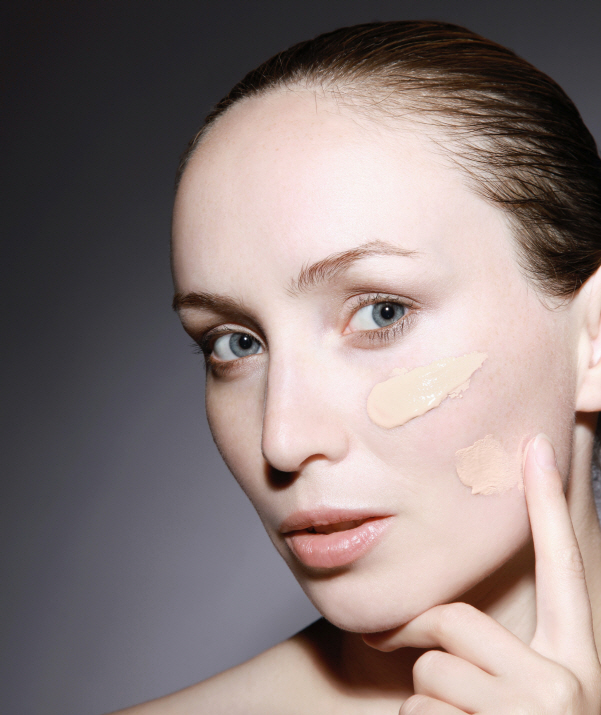 how to make-up to avoid skin trouble by wearing mask in COVID19kin tr