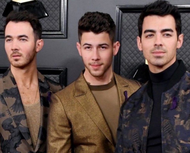 as the American boy band Jonas Brothers